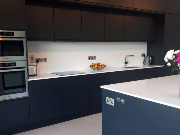 Quartz Worktops Handless kitchen