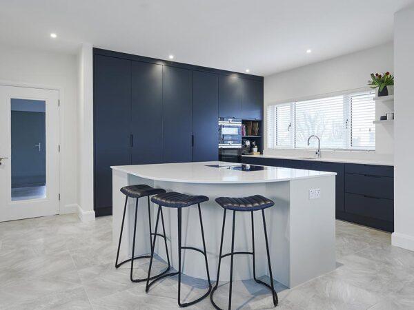 J-Profile Handless Kitchen
