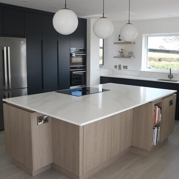 Gola Profile Handless Kitchen